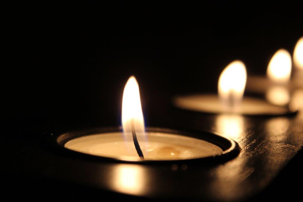 candles light the way image